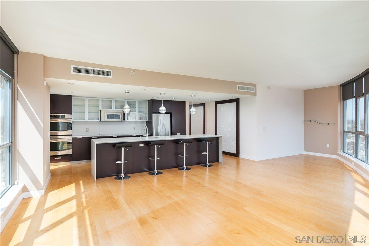 1441  9th Ave  2102 Photo